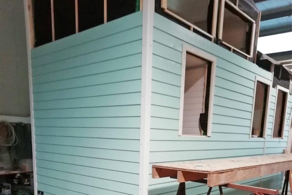 Haus-Traum in Hellblau: das Tiny House von Kathi Wilmer