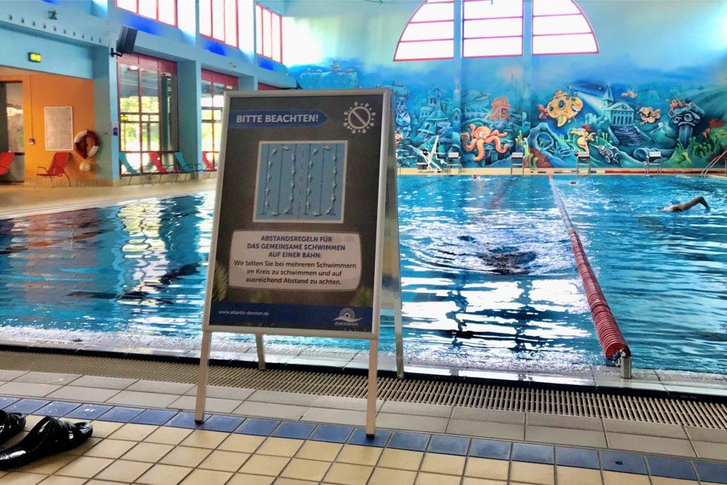 Das Sportbecken ist wieder geöffnet, die Zahl der Schwimmer aber vorgegeben.