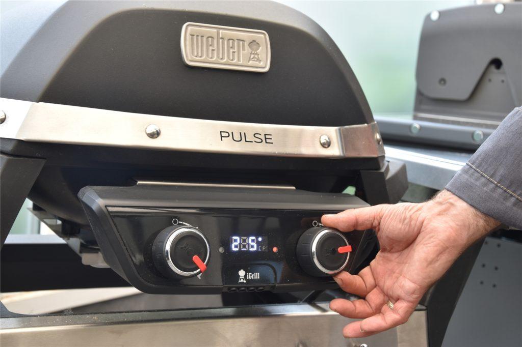 Bei neueren Elektro-Grill-Modellen lässt sich die Temperatur ganz einfach einstellen.