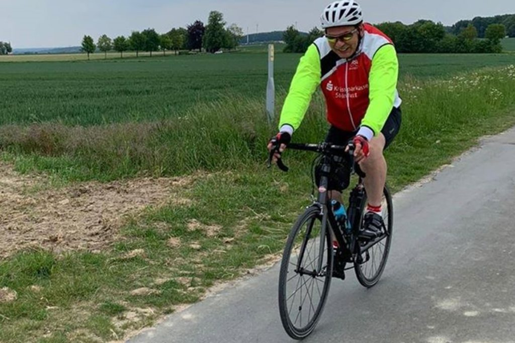 Markus Ossendorf ist leidenschaftlicher Radrennfahrer und will zusammen mit seinen Unterstützer damit jetzt auch etwas Gutes tun.