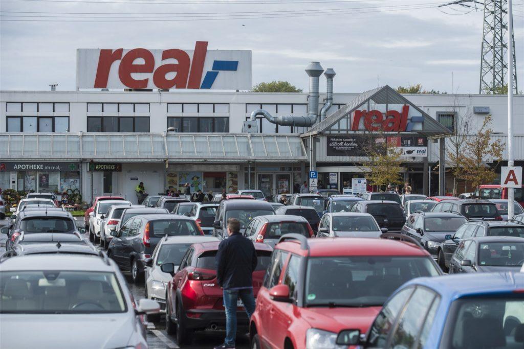 Die Zukunft des Real-Marktes an der Siemensstraße in Habinghorst ist weiter ungewiss.
