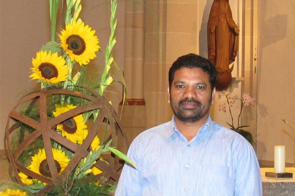 Pastor Xavier Muppala aus Schermbeck hat auf die Bitte des Bistums sofort reagert.