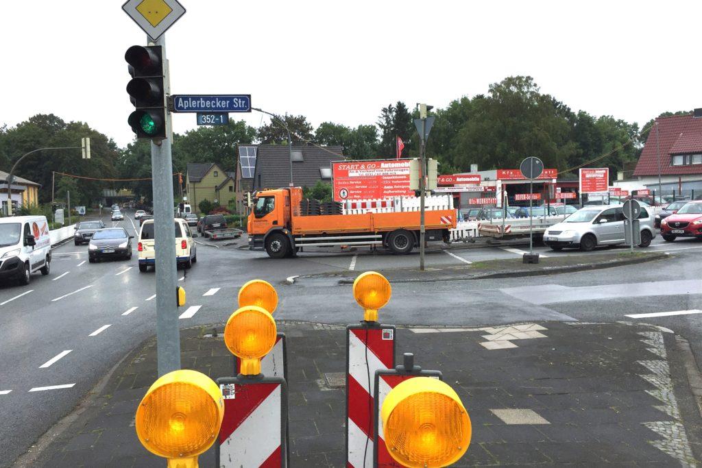 Der Kreuzungsbereich Aplerbecker Straße/Leni-Rommel-Straße: Hier wird ab Montag (13.7.) umfangreich gebaut.