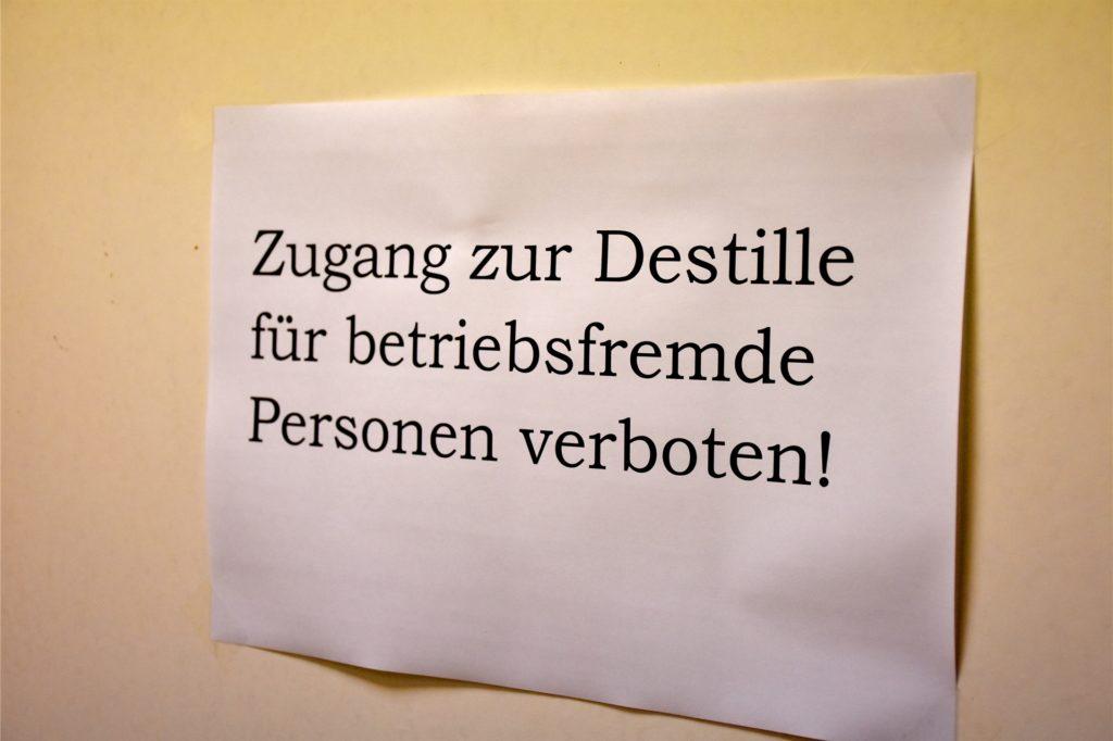 Da gibt es keine Kompromisse: Die Destillerie hinter dem Verkaufsraum an der Wassermühlenstraße darf niemand betreten. Ganz zu schweigen davon, dass Klaus Hellenthal auch nur eine Silbe des Rezepts verraten würde.