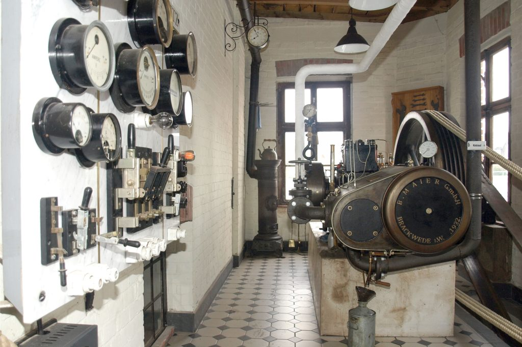Natürlich ist die Dampfmaschine im Betrieb zu beobachten.