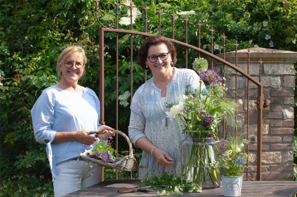 Regionale Kooperation: Elisabeth Schwietering (l.) und Astrid Lensker bei einem Workshop im Schwieteringschen Garten.