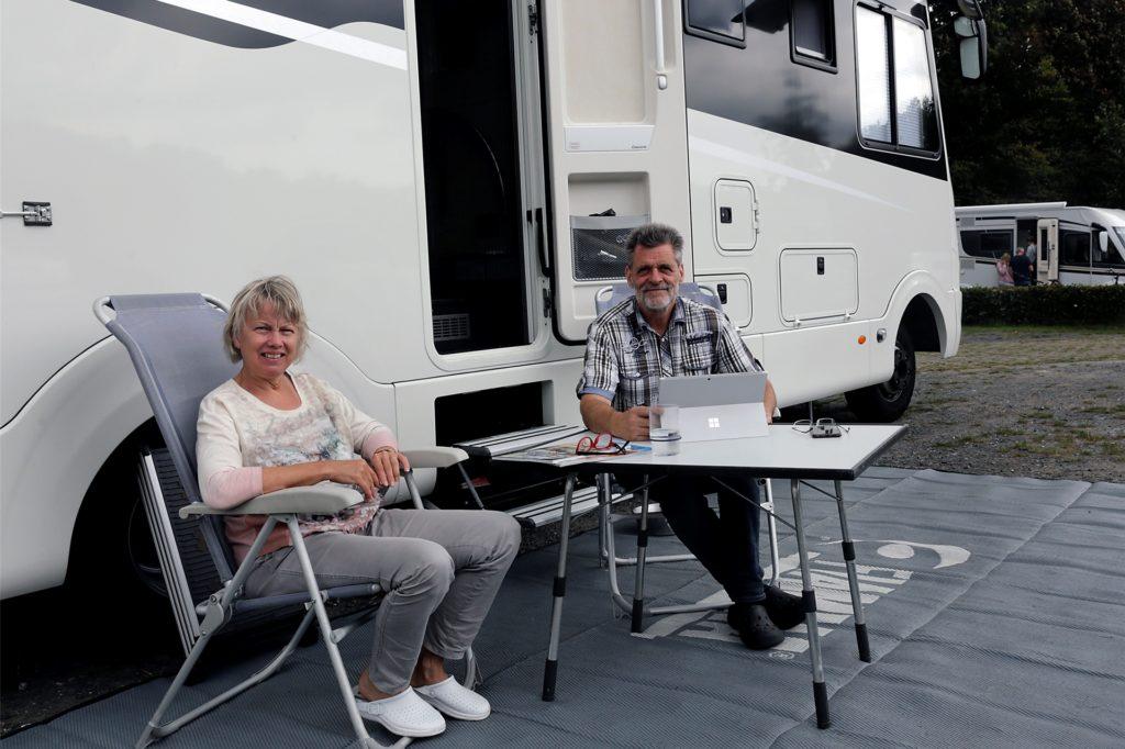 Haltern am See statt Norwegen: Mechthild und Rolf Winking aus Dinslaken auf dem Wohnmobilstellplatz am Aquarell.