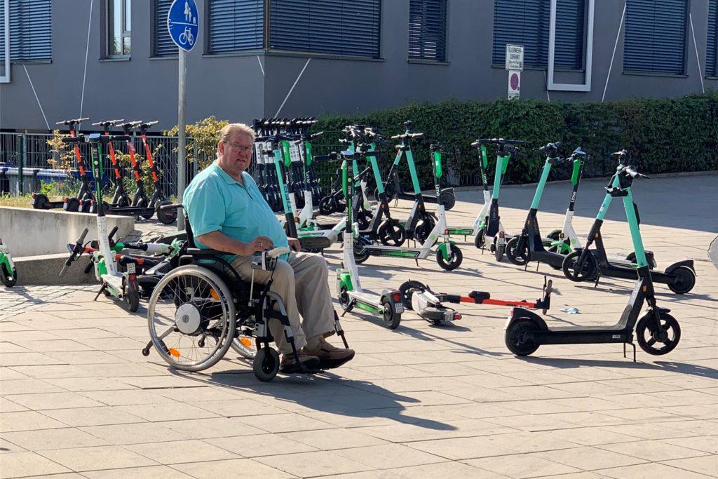 Für Rollstuhlfahrer wie Franz Pesch ist an manchen Stellen kein Durchkommen am Phoenix-See.
