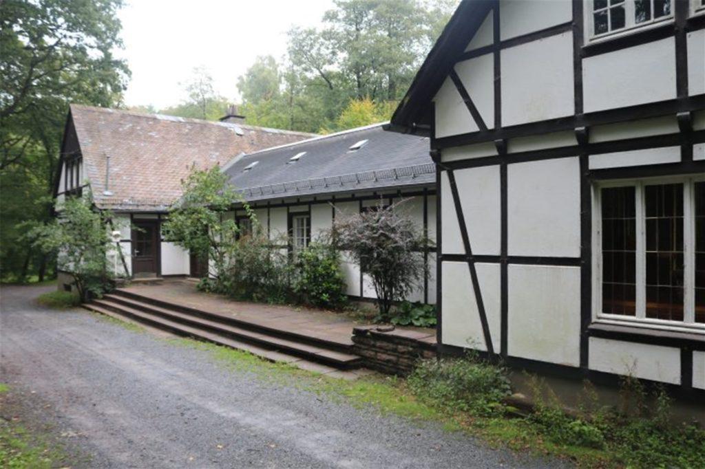 So sieht das Haus Viktoria im Bilsteintal in Warstein von außen aus