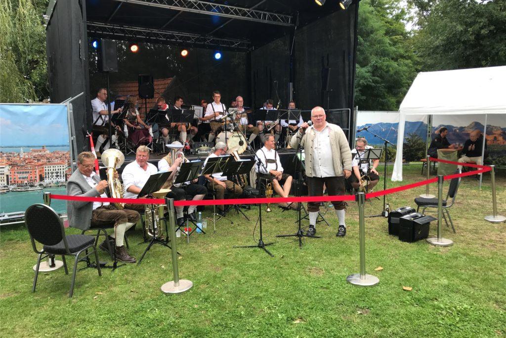 Kalle Höper und seine Grenzlandmusikanten sorgten am Sonntagnachmittag für Musik.