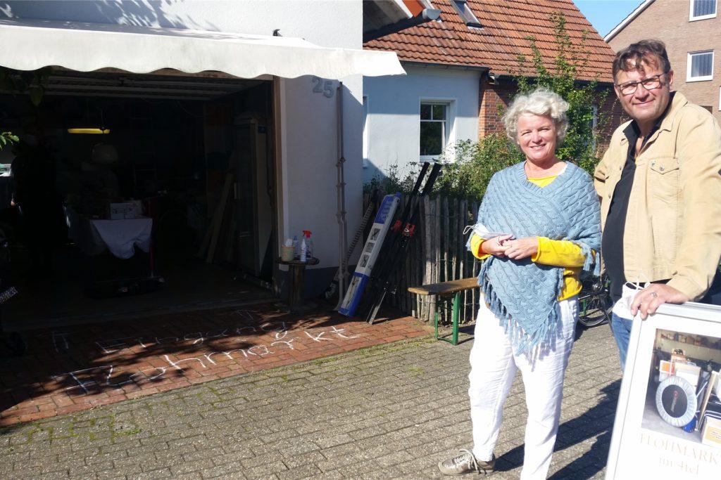 Hanne Brüning und Christoph Gerwers haben den ersten Flohmarkt im Viertel organisiert.