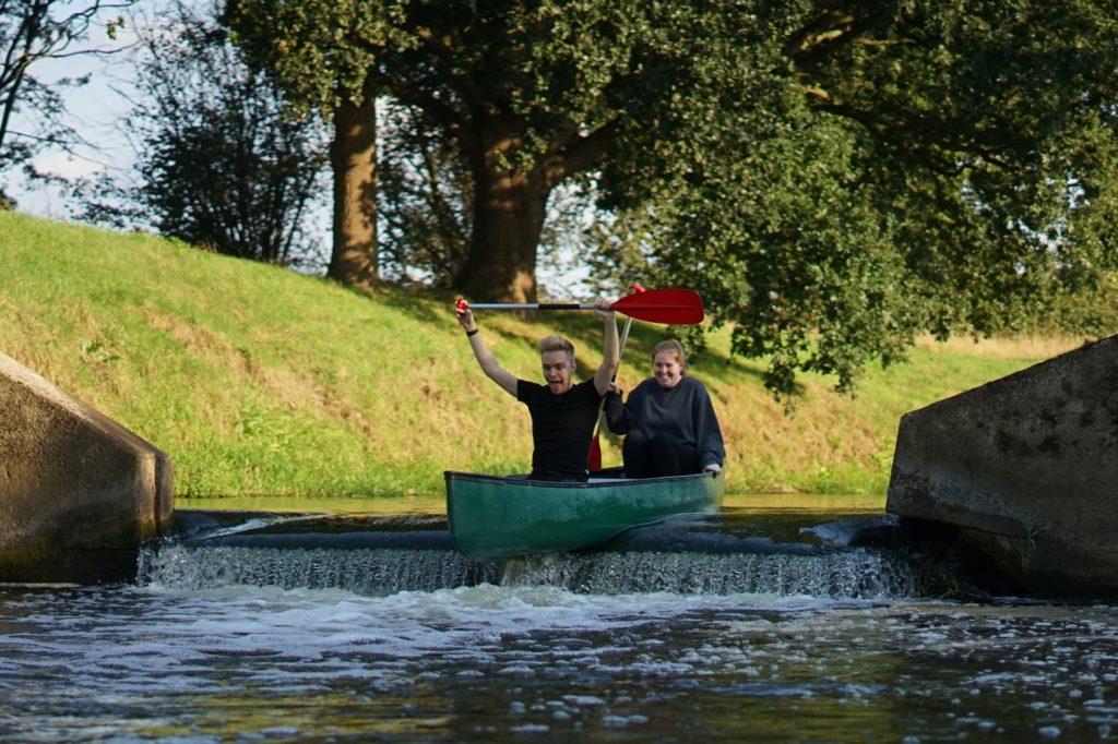 Ein Highlight der Tour: Das Wehr, an dem es eine kleine Stufe im Fluss hinab geht.