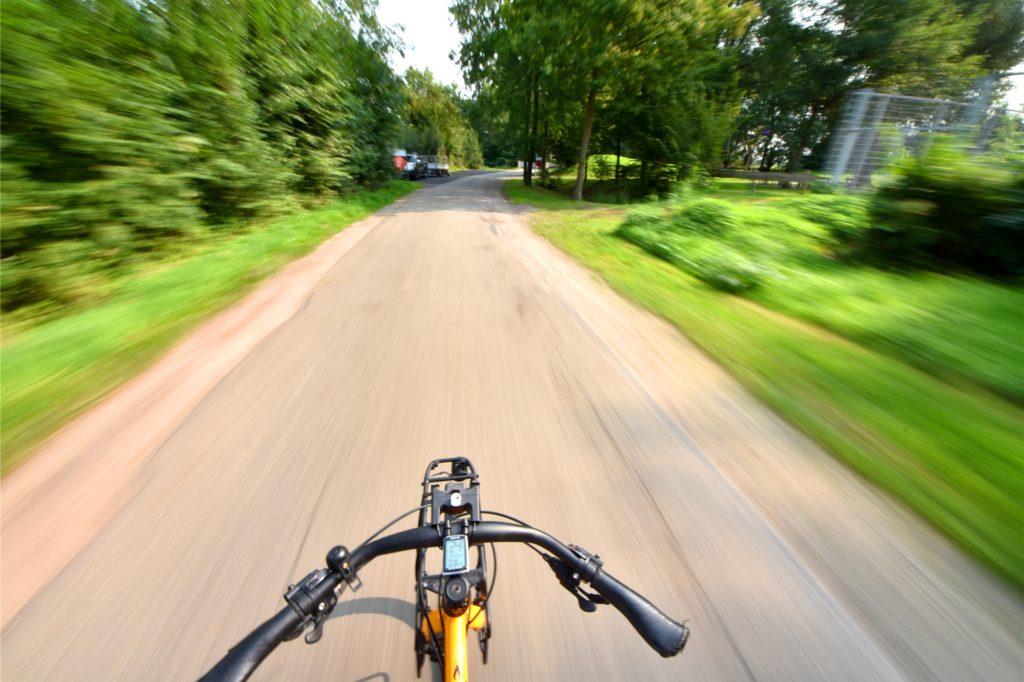 Naherholungsgebiet oder Schleichweg für Autofahrer? Der Ottensteiner Weg rund um das Freizeitgelände am Monte Klamotte soll zur Fahrradstraße umgewidmet werden. Das ist zumindest der Vorschlag vieler Ahauser.