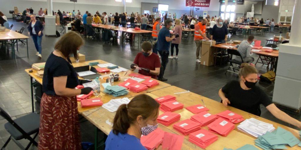 Briefwahlzentrum in den Messehallen in Dortmund