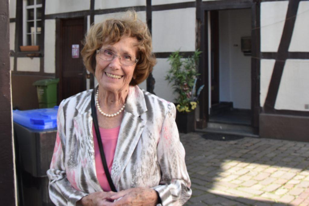 Erika Asschwer (88) hat im Freiherr-vom-Stein-Berufskolleg gewählt.