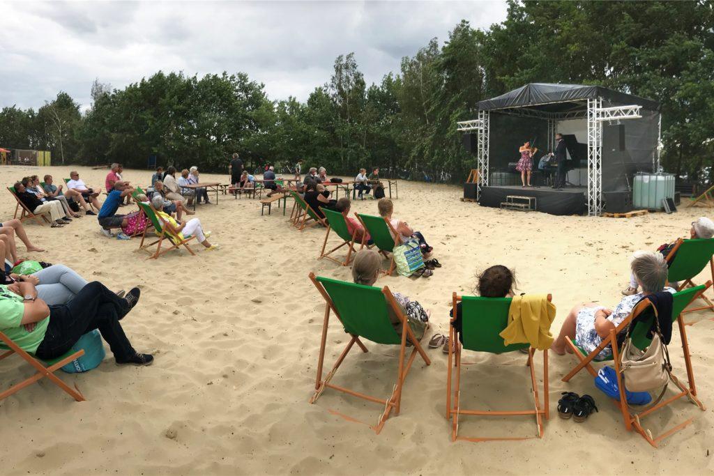 Auch in der Nachsaison soll es noch Veranstaltungen am Silbersee geben, wie hier ein Klassikkonzert.