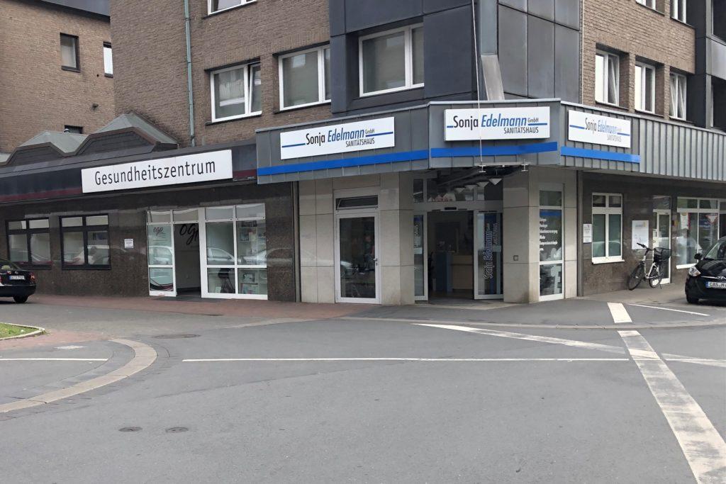 Im Gebäude an der Langen Straße 109 ist die Volksbank seit 2015 nur noch Mieter. Am 30. September ist auch damit Schluss.