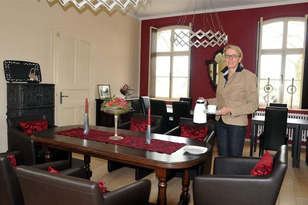 Das Ambiente im Bahnhofscafé hat Hiltrud Arentz mit viel Gespür fürs Schöne gestaltet.