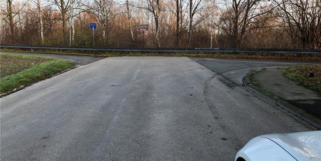 Wenn es nach der SPD geht, soll an dieser Stelle soll eine Brücke zwischen Grüggelsort und Piepenbrink über die B236 in Dortmund entstehen. Die Idee gibt es schon lange, die Planung aber zieht sich hin.