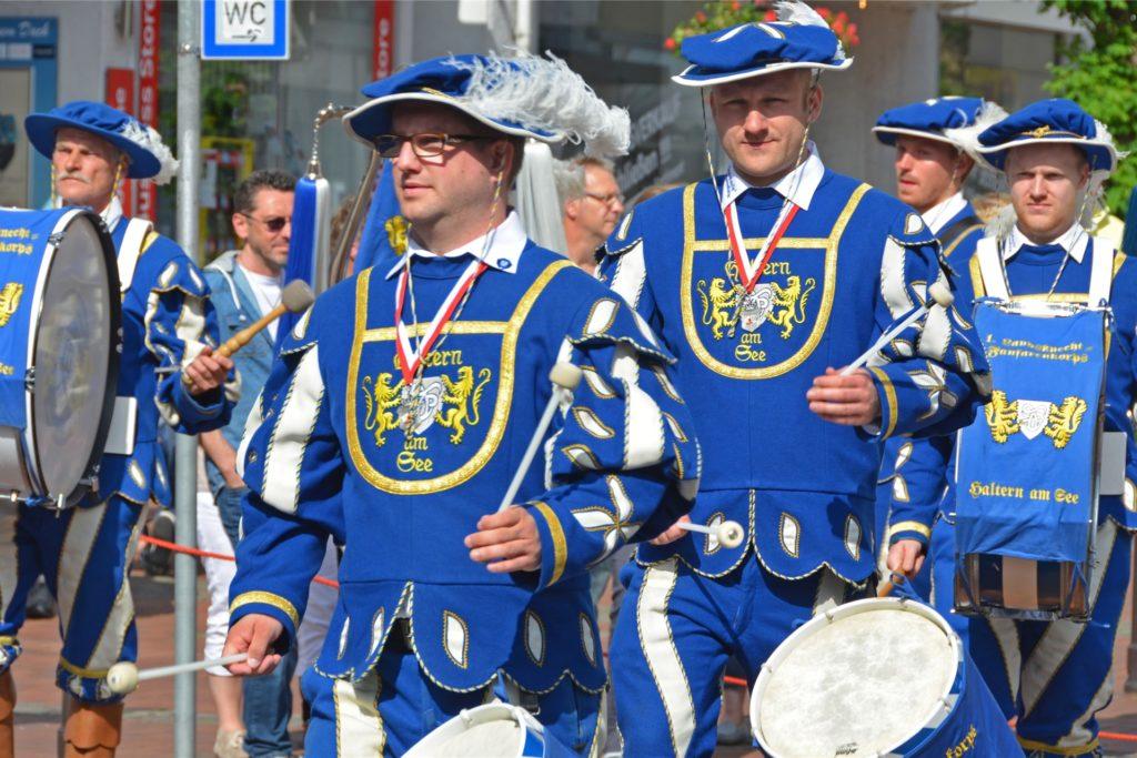 Was wäre ein Halterner Schützenfest ohne die Fanfaren? Sven Döbber (v.) ist der Vorsitzende und hat Cornelius Jany abgelöst.