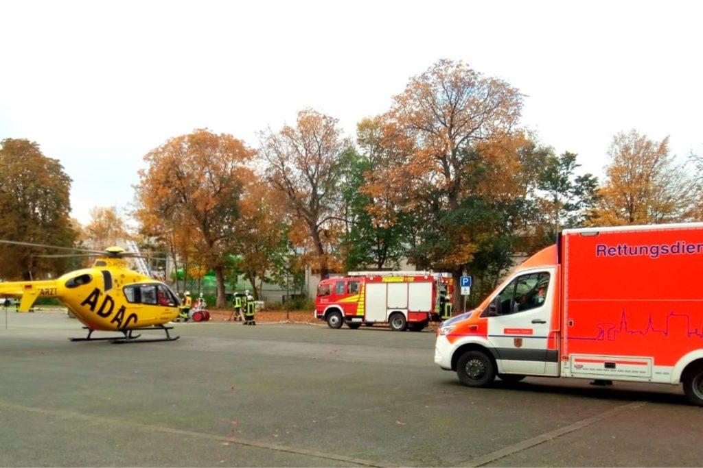 Aufgrund eines möglichen Transportes des Brandopfers in eine Spezialklinik wurde zusätzlich zu den zwei Rettungswagen und des Notarztes aus Werne ein Rettungshubschrauber Christoph 8 aus Lünen zur Einsatzstelle geordert. Nach der ersten Behandlung wurde der Verletzte jedoch mit dem Rettungswagen in eine nahegelegene Klinik gefahren.