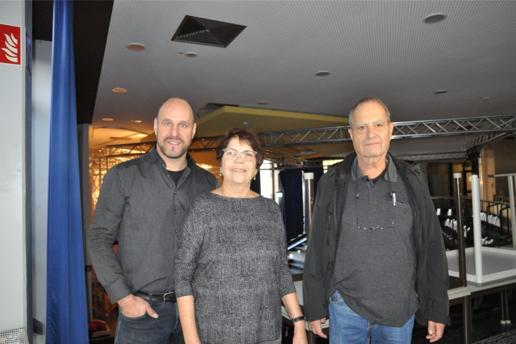 Michael Kupczyk (l.) zeigte Yael Rosenfeld und ihrem Mann Ygal Volkmann 2018 verschiedene Orte in Lünen, die mit der Familie Terhoch zu tun haben.