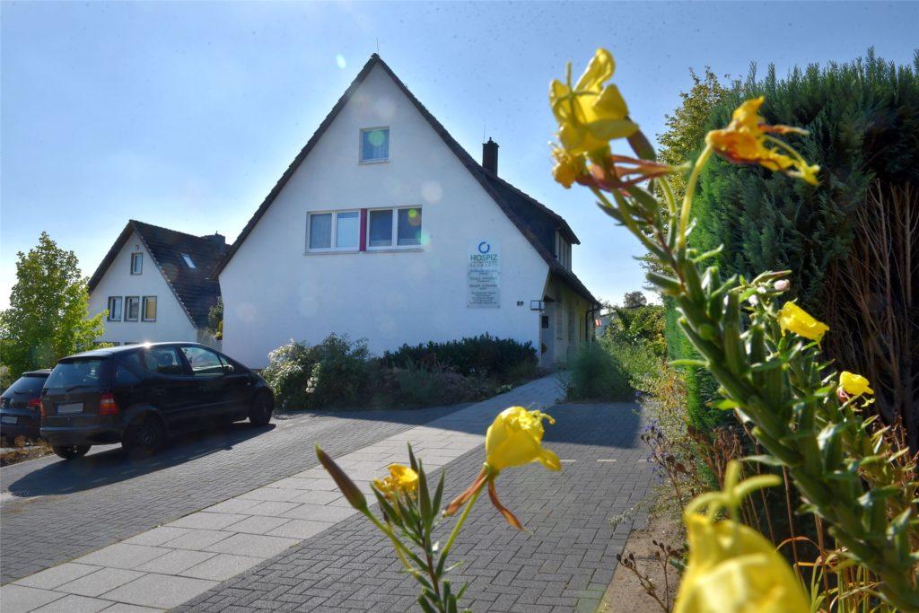 Wer den Kalender von Heiner Möller in Schwerte kauft, unterstützt damit das Hospiz am Alten Dortmunder Weg.