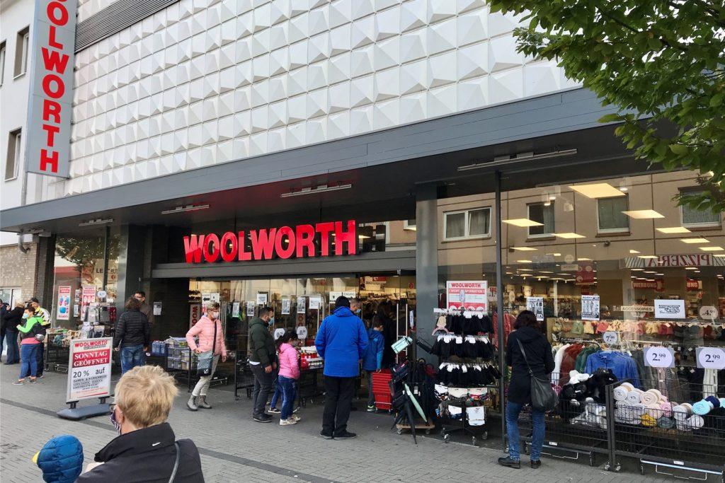 Woolworth gehört zu den Ketten, die sich über das Angebot des Landes für verkaufsoffene Advents-Sonntag freuen.