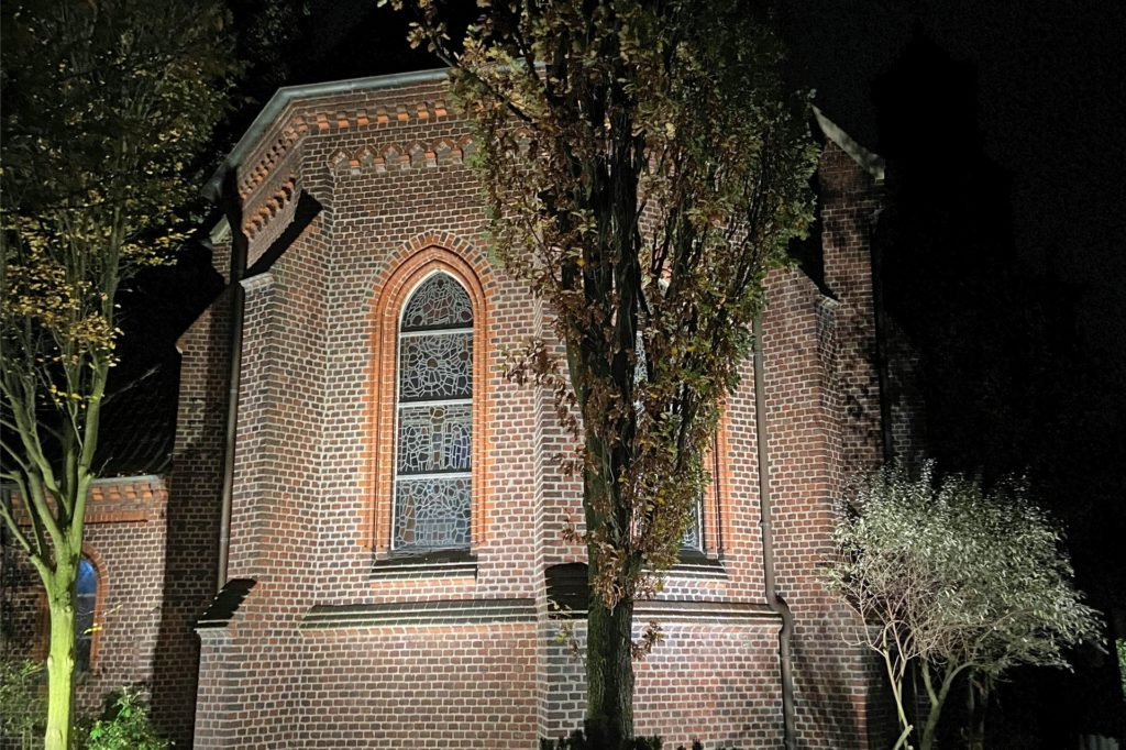 """Die Martin-Luther-Kirche wird derzeit renoviert. Vermutlich steht sie ab Freitag, 27. November, für das Projekt """"Offene Kirchen"""" wieder zur Verfügung."""