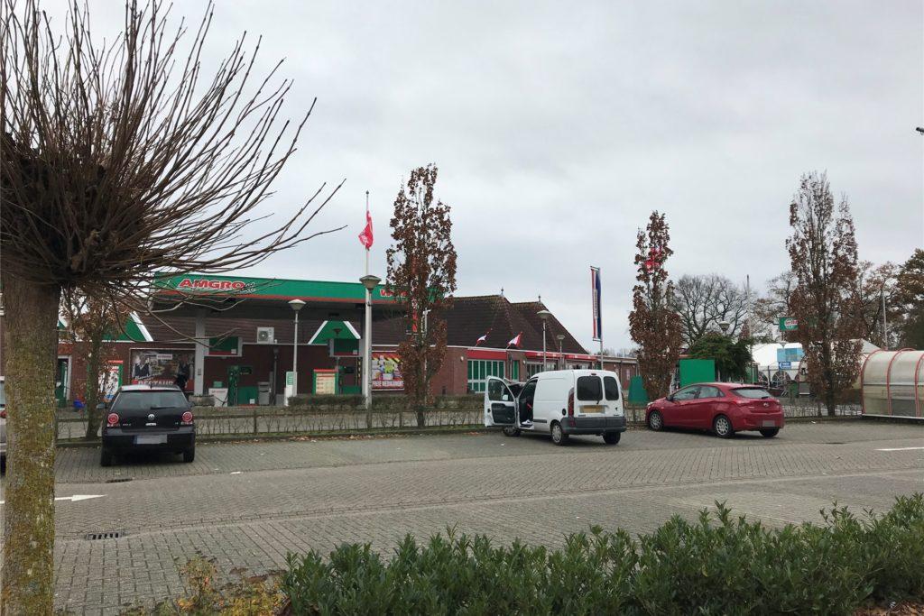 Eigentlich ist es bei TerHuurne und dem MotoMorkt kurz hinter der niederländischen Grenze immer sehr voll. Während Corona sieht das anders aus.
