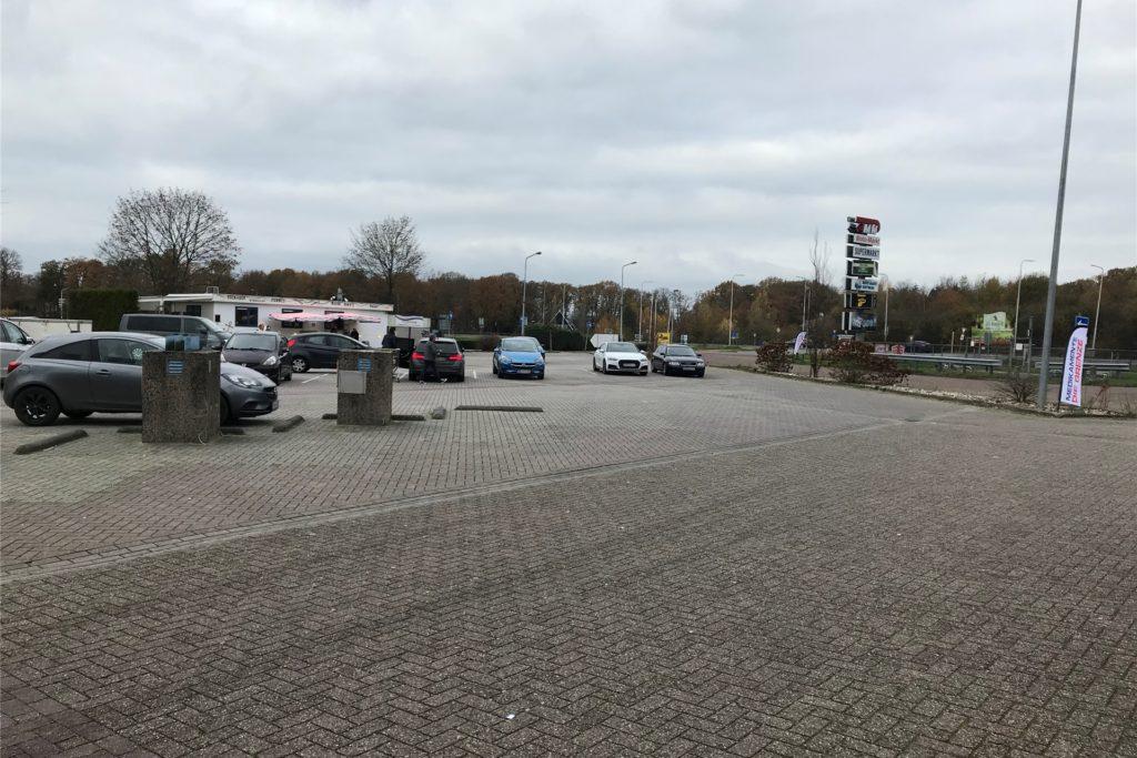 Auch in Winterswijk ist auf dem Parkplatz des Moto Markts nicht viel los.
