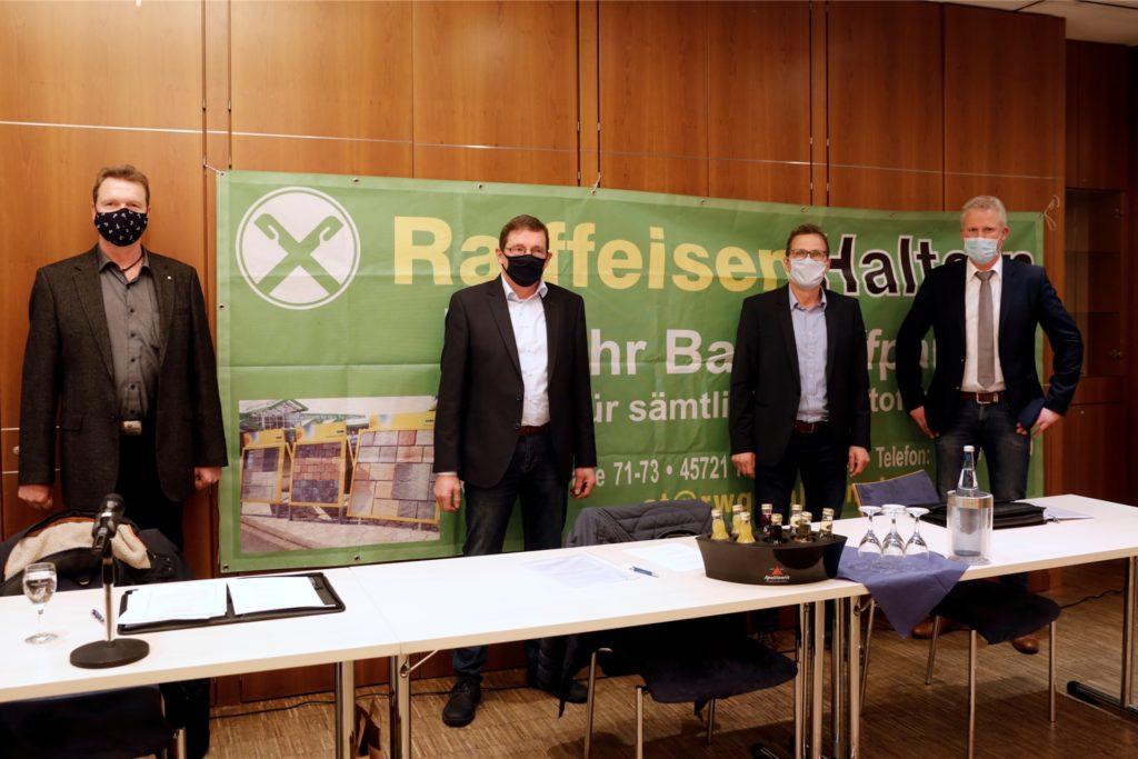Leiteten die Generalversammlung (v.l.): Geschäftsführer Günter Hessing, Aufsichtsratsvorsitzender Ludger Winkelkotte, und die Vorstände Burghardt Fry und Bernd Schmöning.