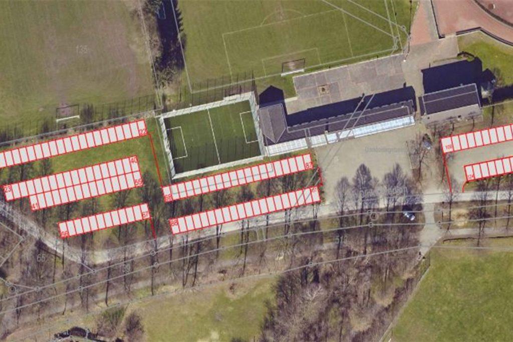 So könnten am Sportplatz laut Verwaltung die Parkplätze ausgewiesen werden, wenn Großveranstaltungen in der Kreuzschulen-Turnhalle stattfinden würden.