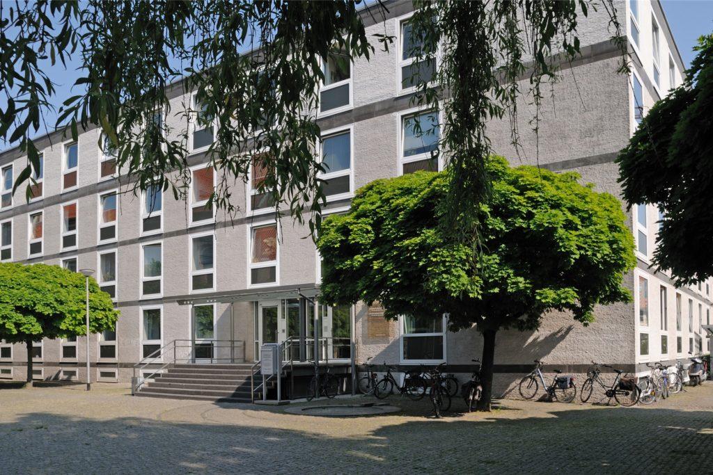 Hier wird über den Antrag des GC Castrop-Rauxel entschieden: am Oberverwaltungsgericht Münster.