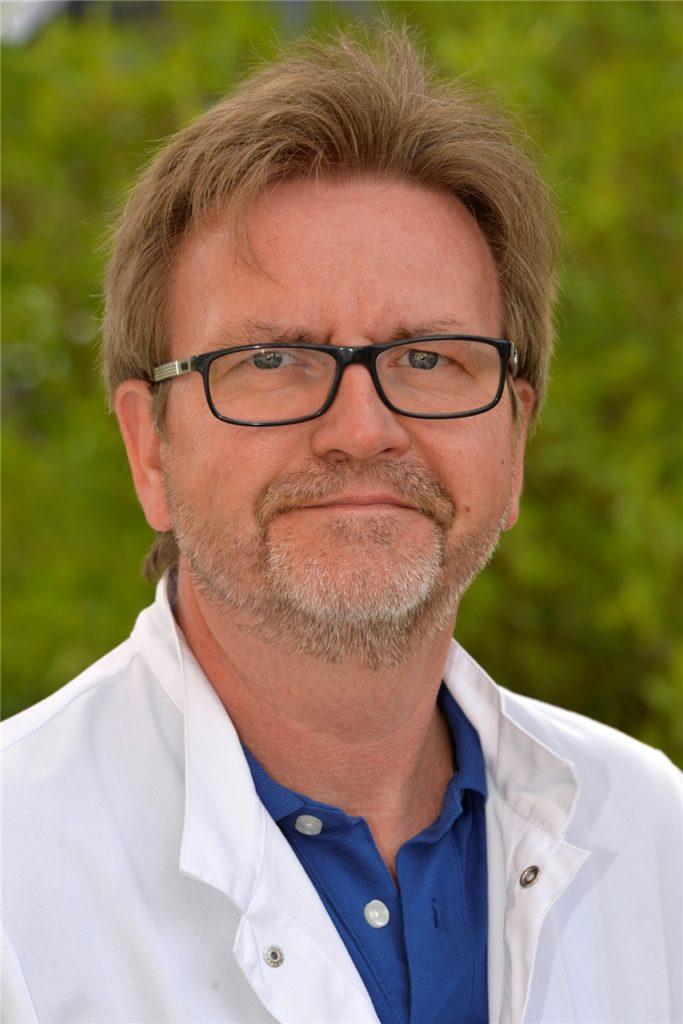 Dr. Stefan Matzko, leitender Oberarzt der Klinik für Innere Medizin, Fachbereich Pneumologie, Allergologie, Schlaf- und Beatmungsmedizin sowie Leiter der internistischen Intensivmedizin am Halterner St. Sixtus-Hospital, erkennt eine Stabilisierung der Situation.