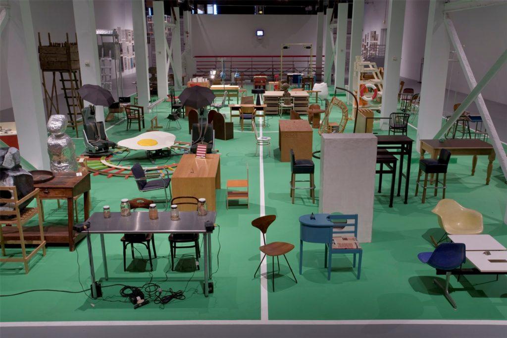 """Wird aufgebaut: Die große """"The Happy End of Franz Kafka's ,Amerika'"""" entsteht derzeit im Essener Folkwang-Museum. Wann die Schau öffnen kann, ist ungewiss."""
