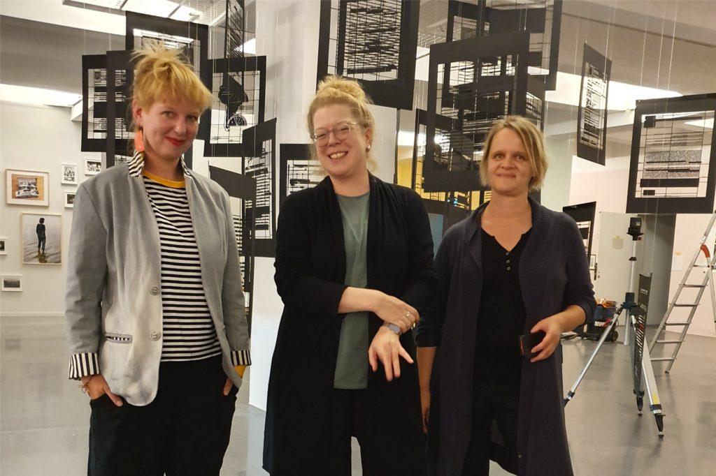 Die Kuratorinnen der preisgekrönten Dortmunder Schau: Kata Krasznahorkai (v.l.), Inke Arns und Sylvia Sasse.
