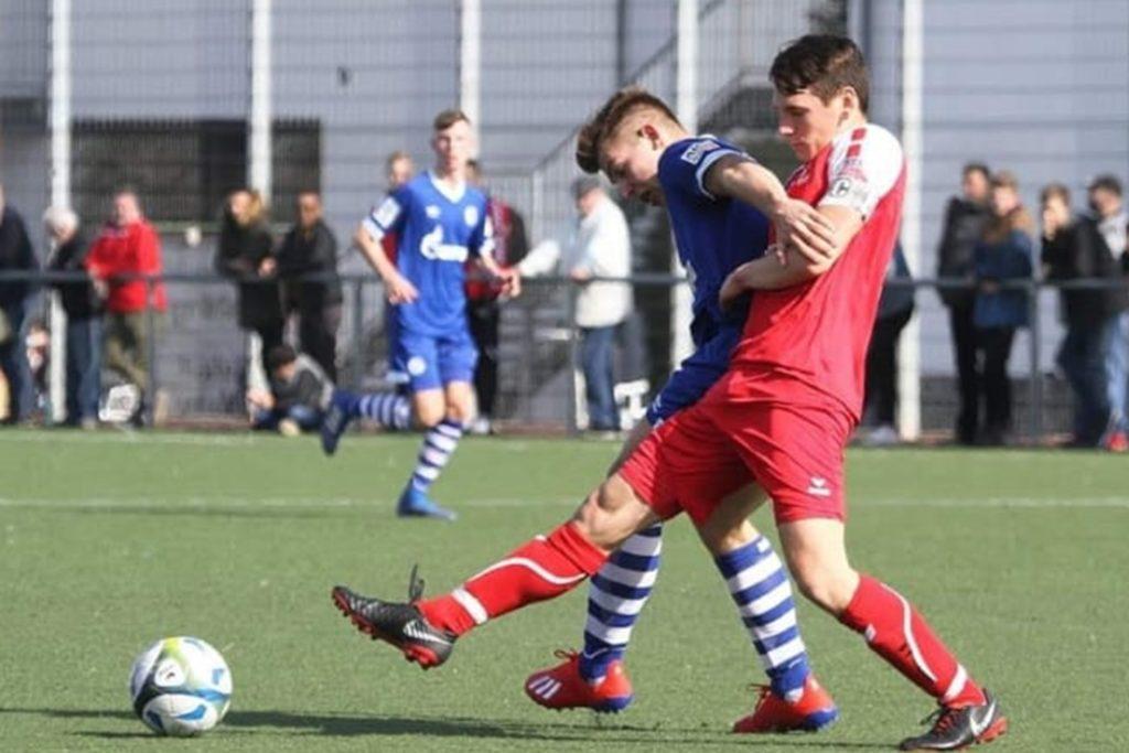 Mit Rot-Weiss Ahlen traf Leon Lücke im Westfalenpokal auch auf die Jugend des FC Schalke 04.