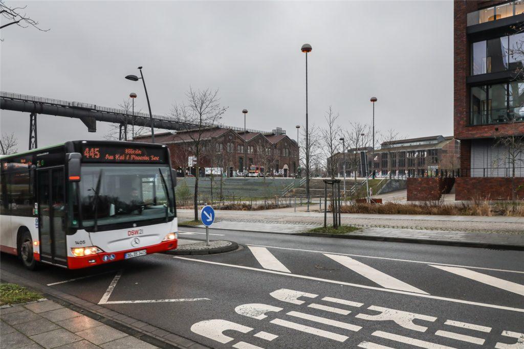 Auch mit Linienbussen ist das Impfzentrum über Hörde Bahnhof erreichbar.