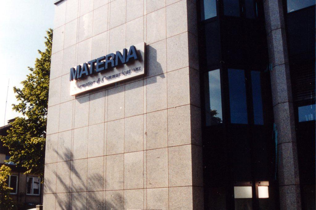 Der Firmensitz von Materna SE an der Voßkuhle. Im vergangenen Jahr hat der IT-Dienstleister in Dortmund 50 neue Arbeitsplätze geschaffen, um die Herausforderungen in der Corona-Pandemie bewältigen zu können.