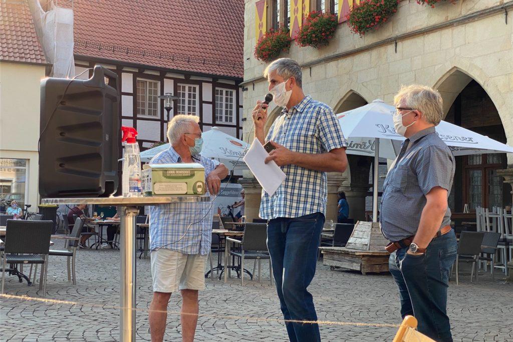 Nach einer Kundgebung im September 2020 wollen die Gegner des Neubaugebietes Baaken noch einmal auf dem Marktplatz in Werne für ihr Anliegen demonstrieren.