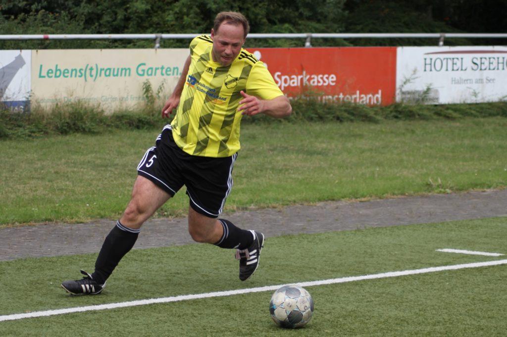 Helmut Stolzenhoff läuft auch in der nächsten Saison für Westfalia Vinnum auf.