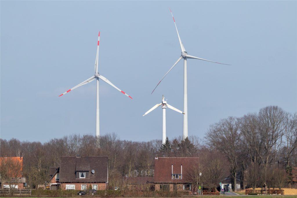 Deutlich kleiner als die anderen Windräder ist die Anlage der Familie Kisfeld.