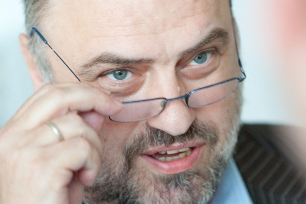 Detlef Steinweg ist Inhaber der Paracelsus-Apotheke in Castrop-Rauxel