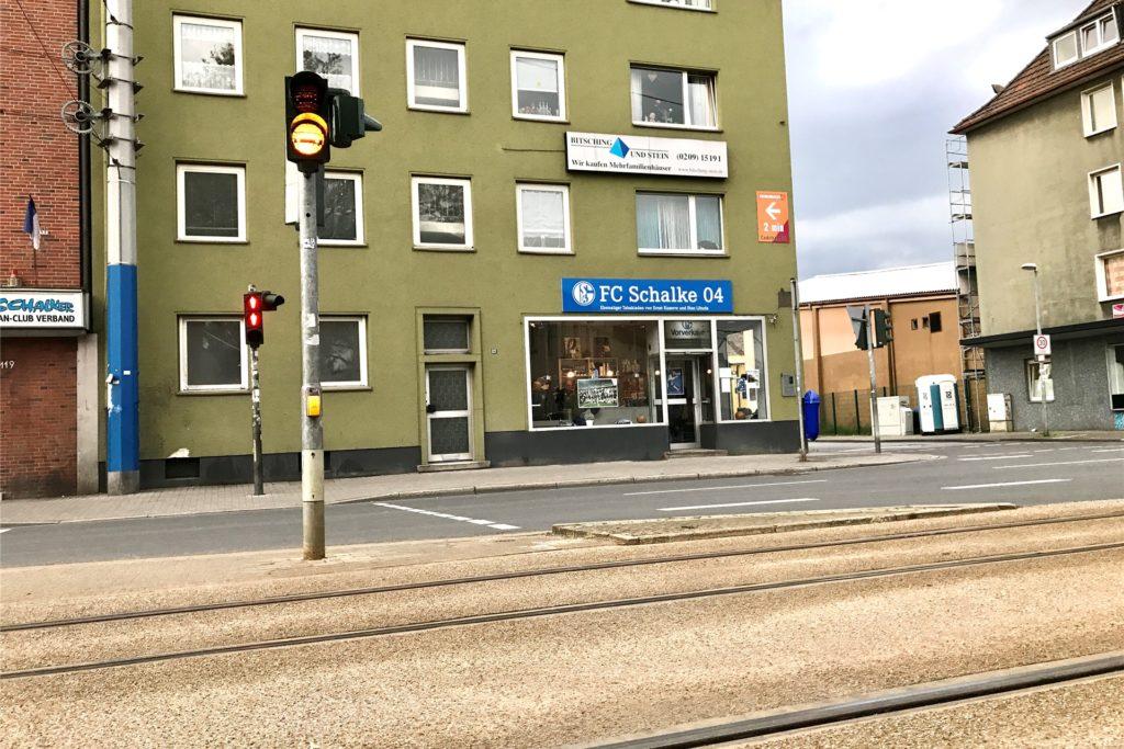 Der Tabakladen von Ernst Kuzorra auf Schalke an der Kurt-Schumacher-Straße.