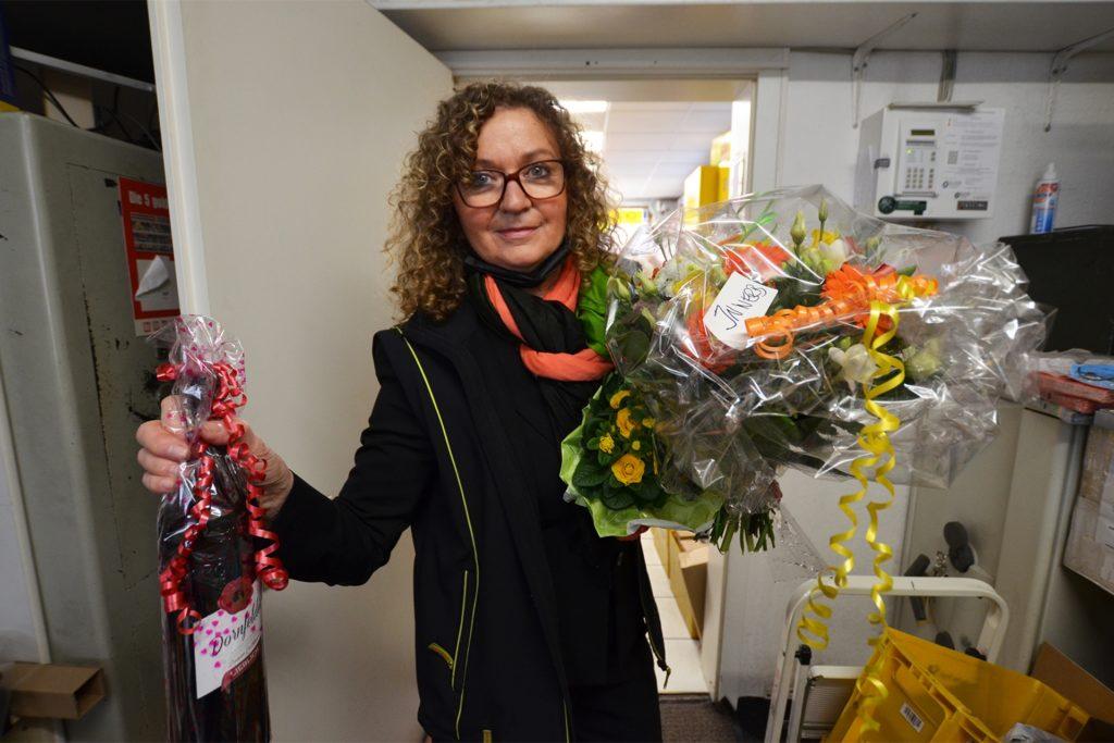 Renate Schumacher ist im positiven Sinn fassungslos, mit wie vielen Geschenken ihre Kunden sie bedacht haben.