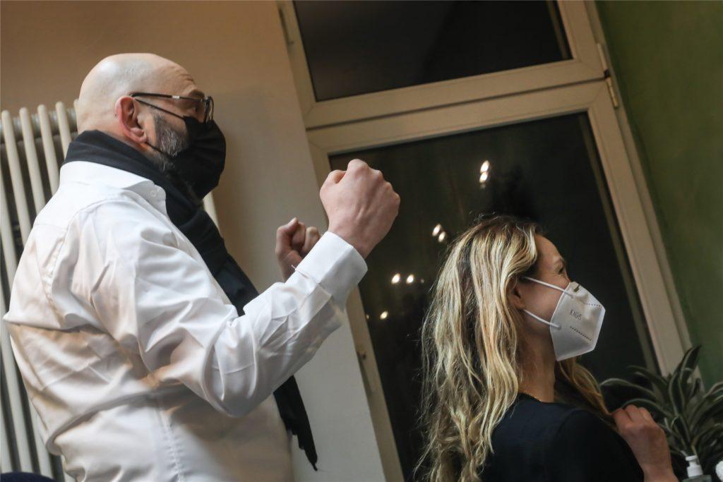 """Strähnchen und schneiden, """"ganz klassisch"""" – Sonia Leesberg gehörte zu den ersten Kunden bei Marco Trapani."""