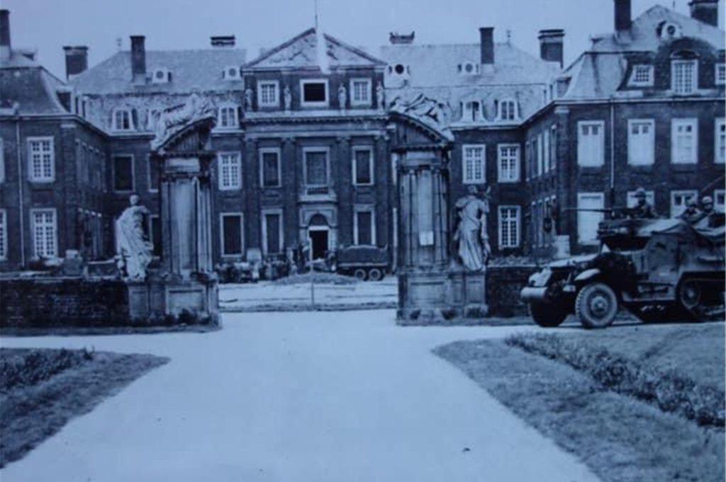 Am Karfreitag rollten amerikanische Panzer vor das Schloss Nordkirchen.