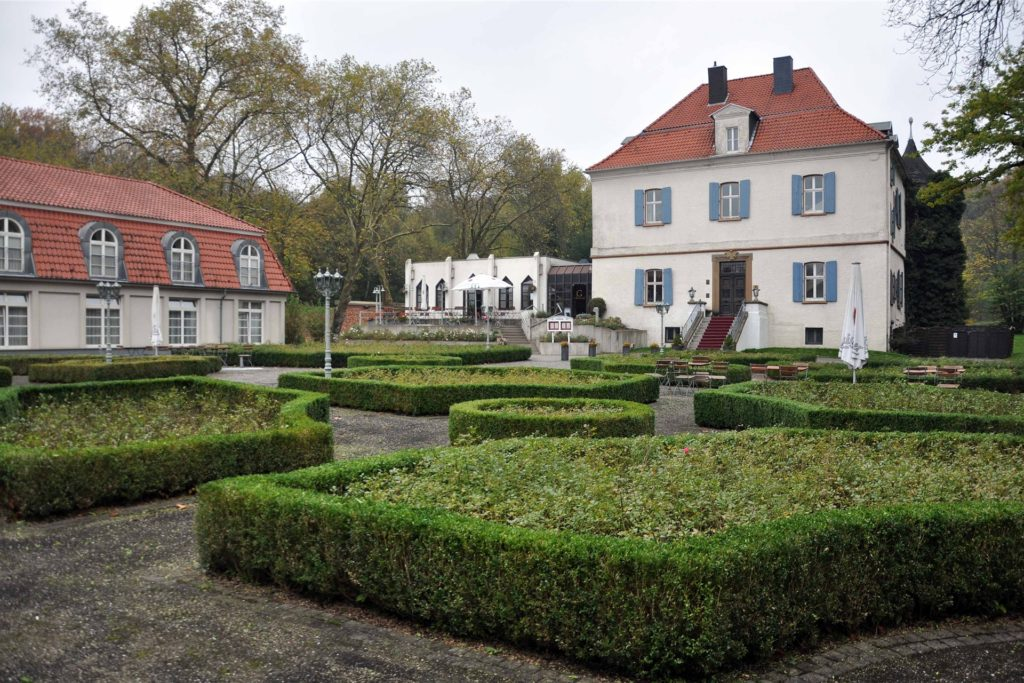 Im Vienna House in Castrop-Rauxel wird weiterhin geheiratet - wenn auch in kleinerem Rahmen.