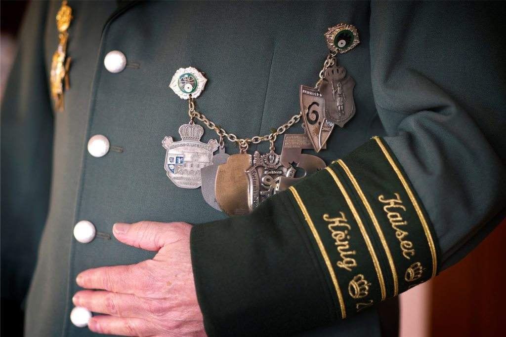 Axel Schmäing lebt für die Tradition der Schützenvereine. Er ist Ehrenkaiser und Schützenkönig der Halterner Schützengilde.